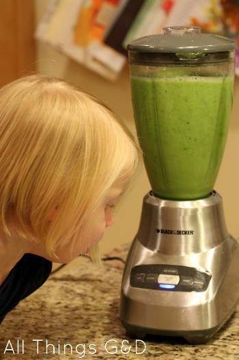 green smoothie, blender