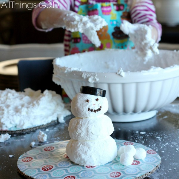Do you want to build a snowman? How to make indoor snow - only 2 ingredients needed! | www.allthingsgd.com