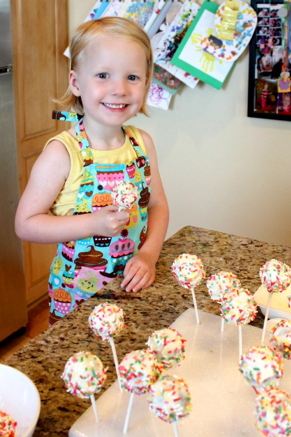 10 Tips for Perfect Cake Pops | www.allthingsgd.com