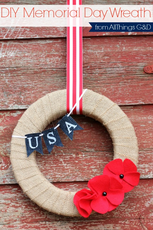 DIY Memorial Day Wreath made with red felt poppies and painted denim mini-bunting.  Tutorials and templates included. | www.allthingsgd.com