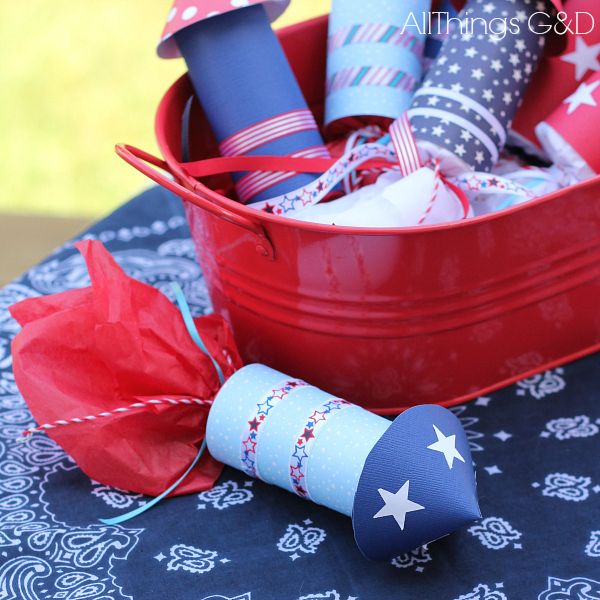 Fourth of July Candy Rockets - a great party favors for the kids! | www.allthingsgd.com