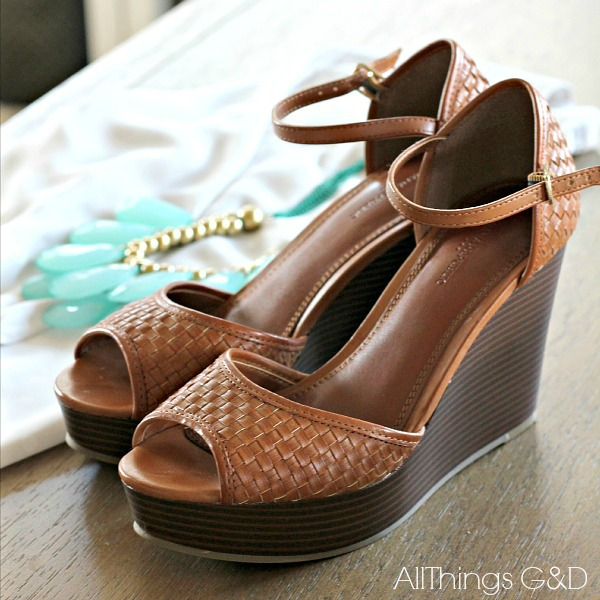Platform wedges from Banana Republic Outlet | www.allthingsgd.com