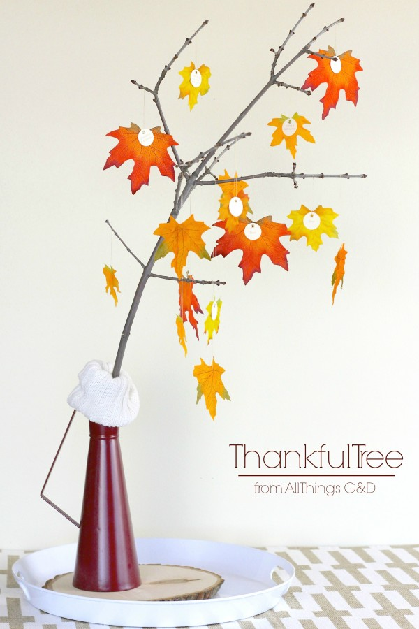 Reflect on the things you're thankful for this holiday season, and keep them in mind all day long with this DIY Thankful Tree - a great project to do with kids! | www.allthingsgd.com