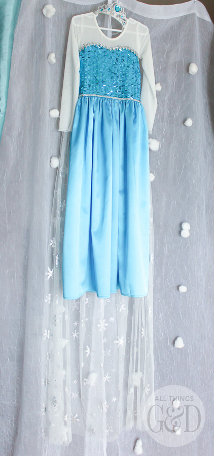 Looking for the perfect #Elsa dress for your little one - a dress that looks EXACTLY like Elsa's dress in the movie #Frozen? I've found it! | www.allthingsgd.com