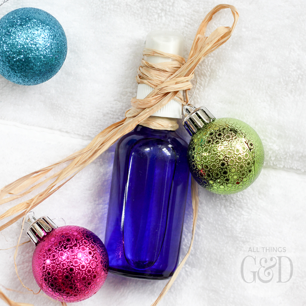 Homemade linen spray using essential oils - perfect for a holiday or housewarming gift. | All Things G&D #essentialoils #handmadegift #homemadegift
