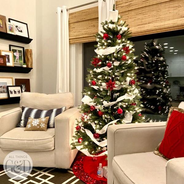 coronavirus-christmas-tree-1-square
