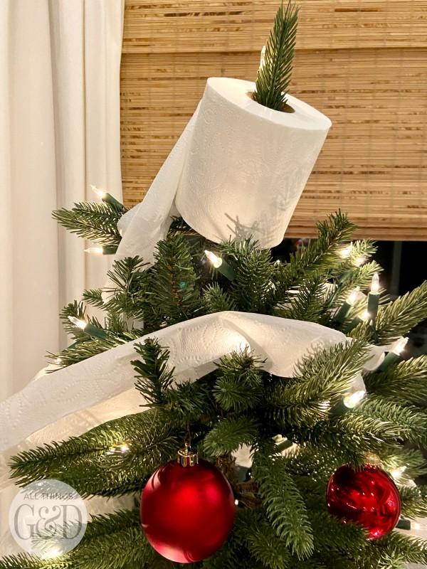 coronavirus-christmas-tree-4